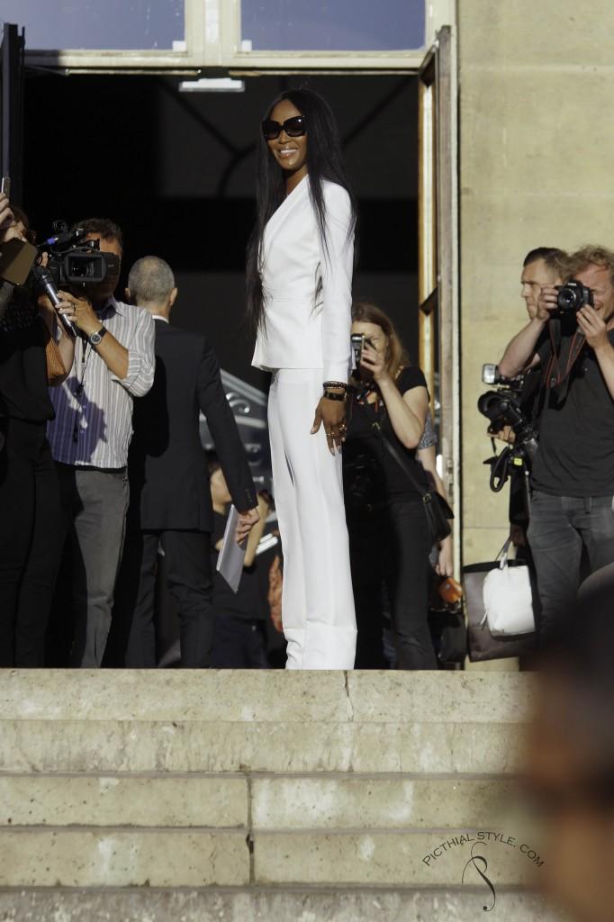 Protégé: Célébrités au défilé Versace
